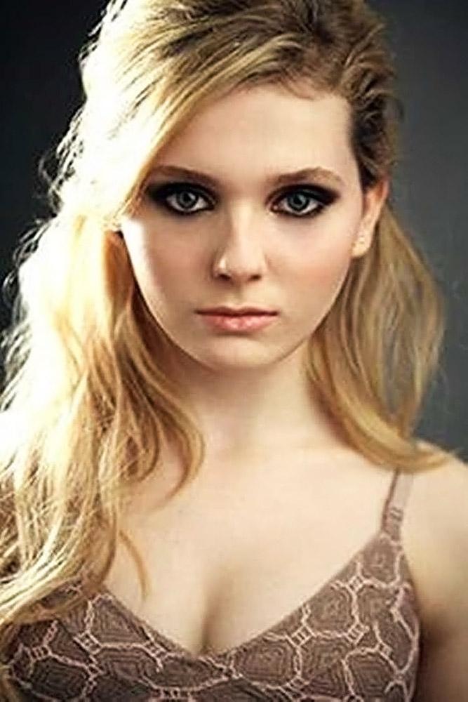 Abigail Breslin Sexy Pics