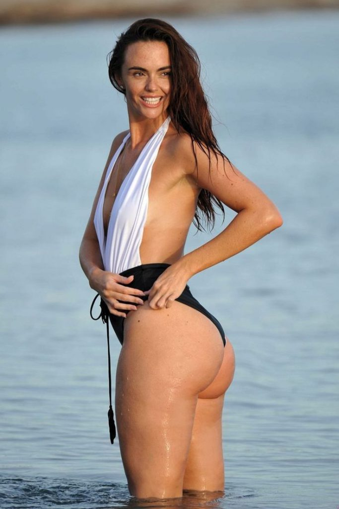 Jennifer Metcalfe nude naked hot Sexy Photos