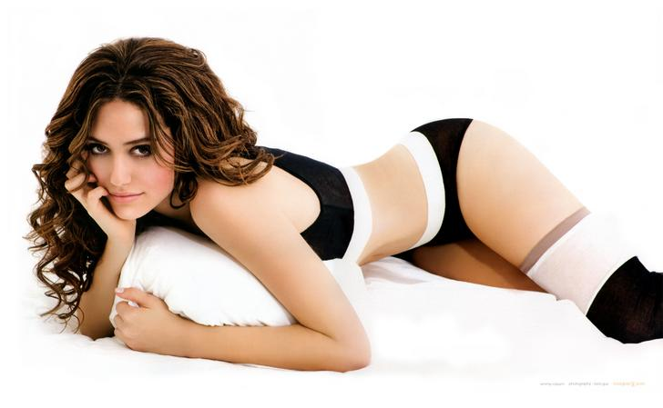 Emmy Rossum Sexy Modeling Photos