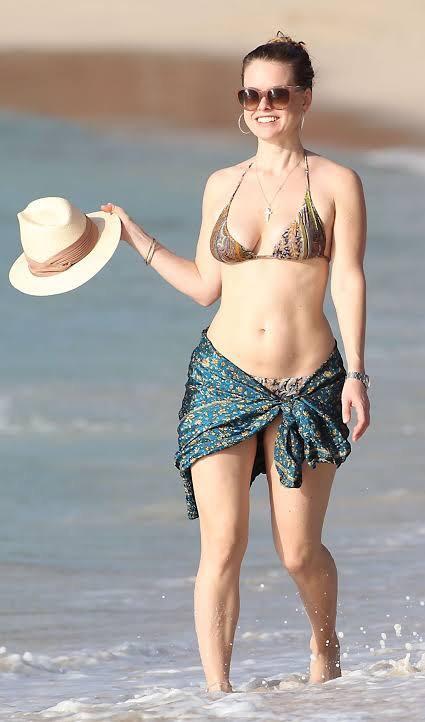 Alice Eve Naked Nude Sexy Hot Bikini Pics