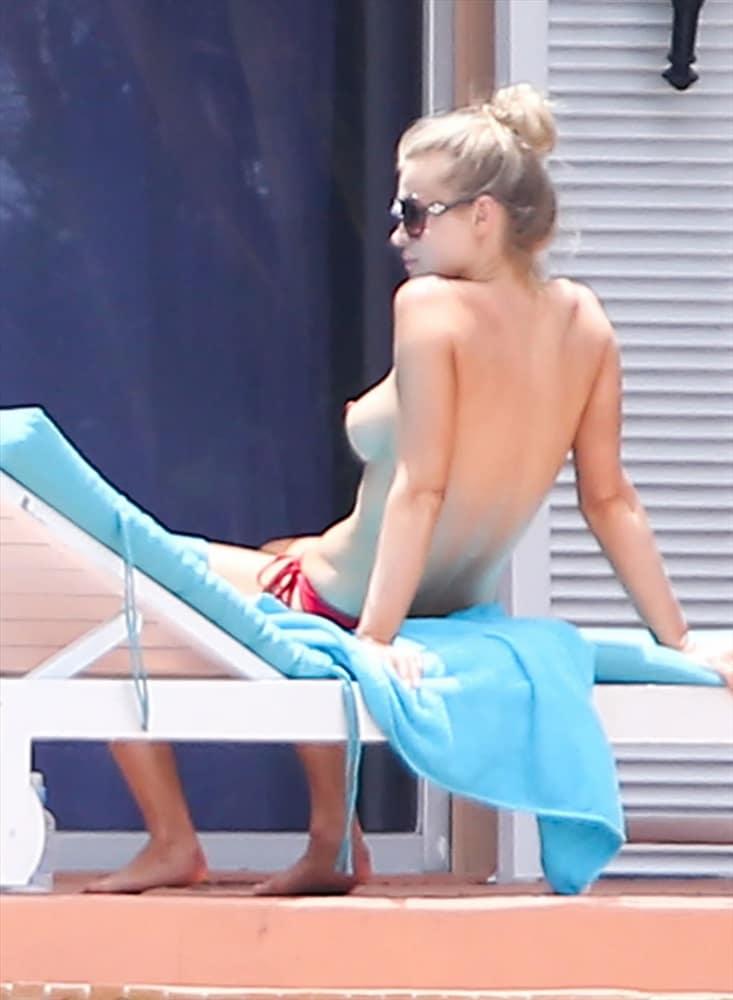 Joanna Krupa nude naked hot sexy boobs pics