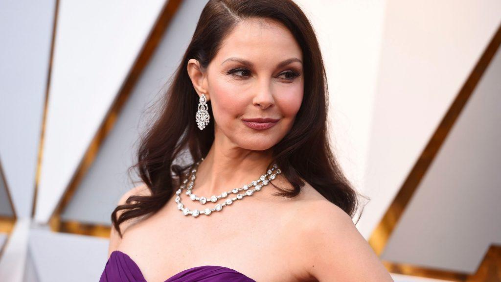 sexy Ashley Judd nude naked sexy pics